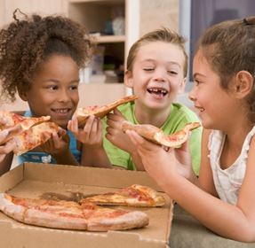 Cop_Kids_Pizza_287